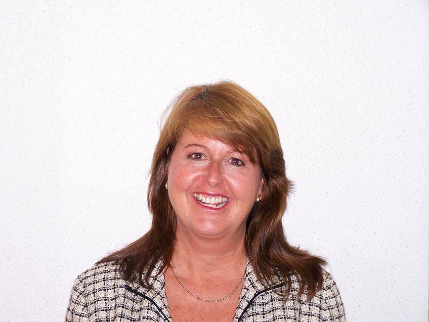 Stephanie Knowles